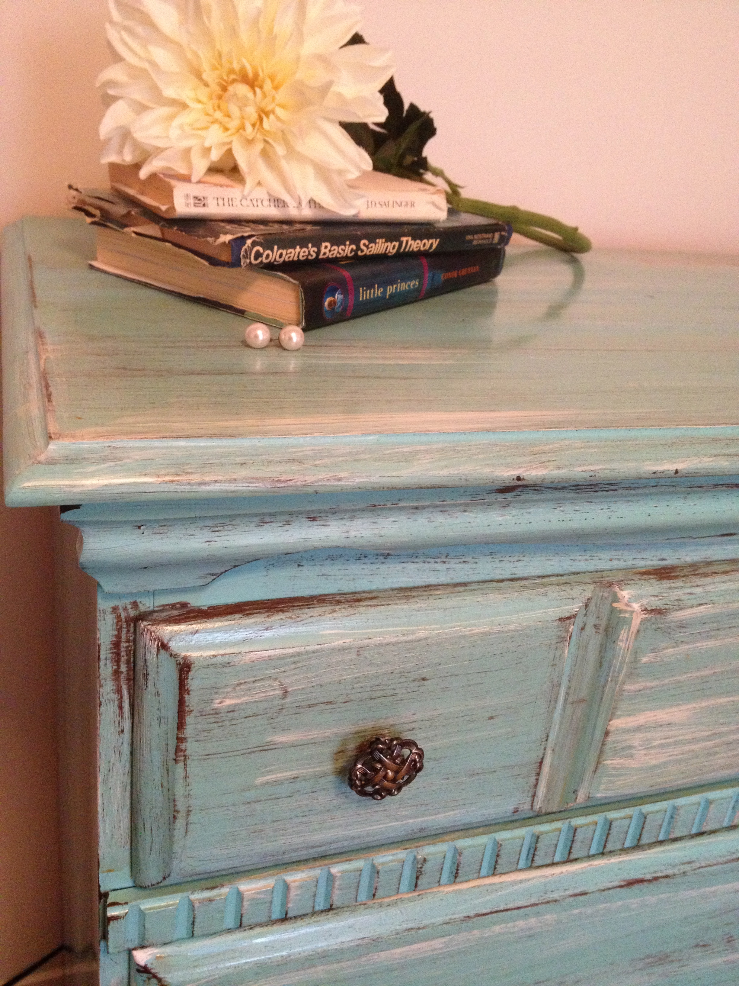Distressing Old Furniture with Paint DIY Tutorial Trends with